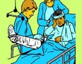 Menino com a perna fracturada
